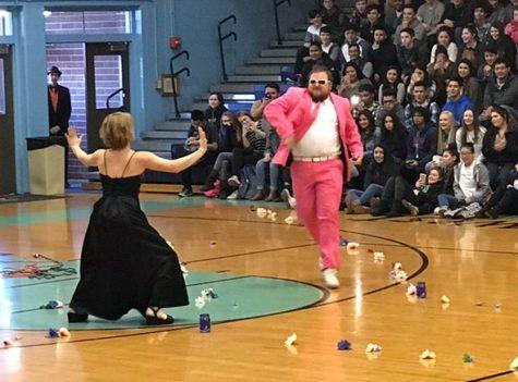 Prom season arrives with fashion show