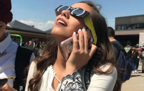 Students take break from first day to watch eclipse