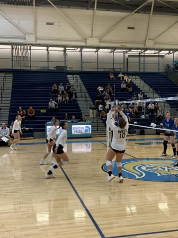 Volleyball team finds extra motivation against Poudre, improve to 2-0 in league play