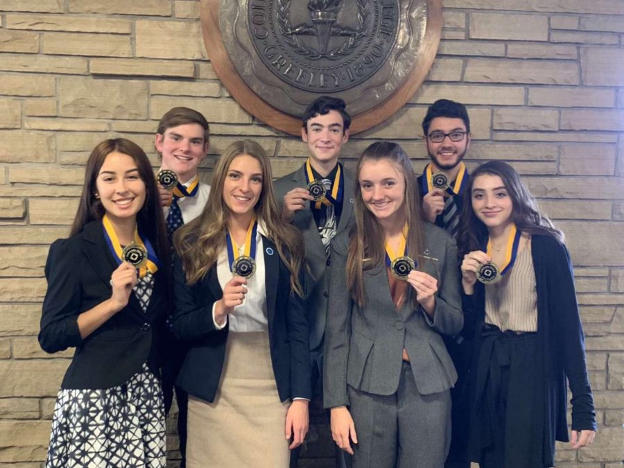 DECA students collaborate for state opportunity